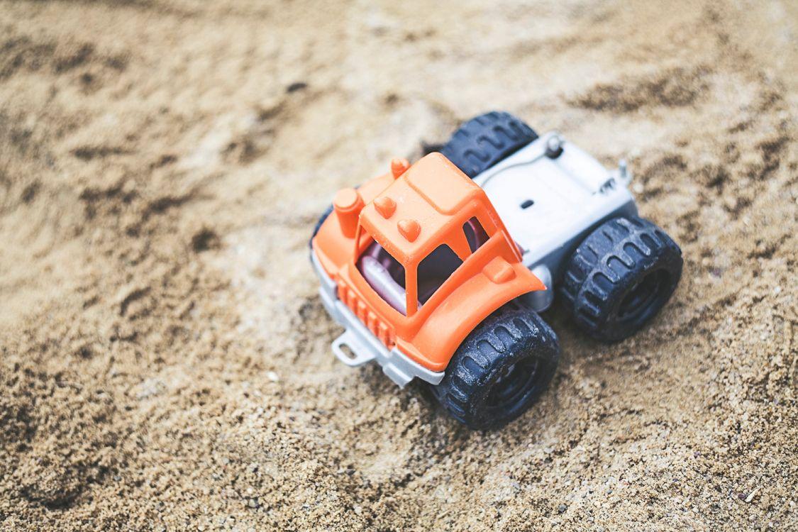 <p>Sand til lekeområde</p>